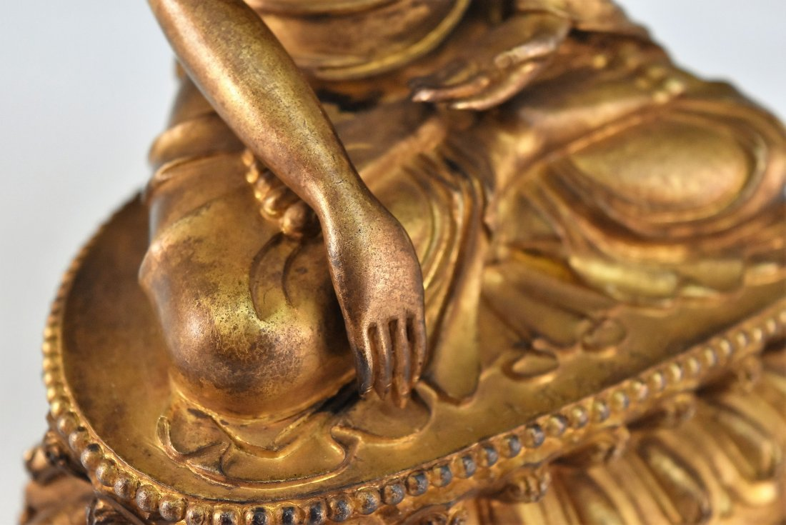 YONGLE MARK, GILT BRONZE FIGURE OF SAKYAMUNI BUDDHA - 7
