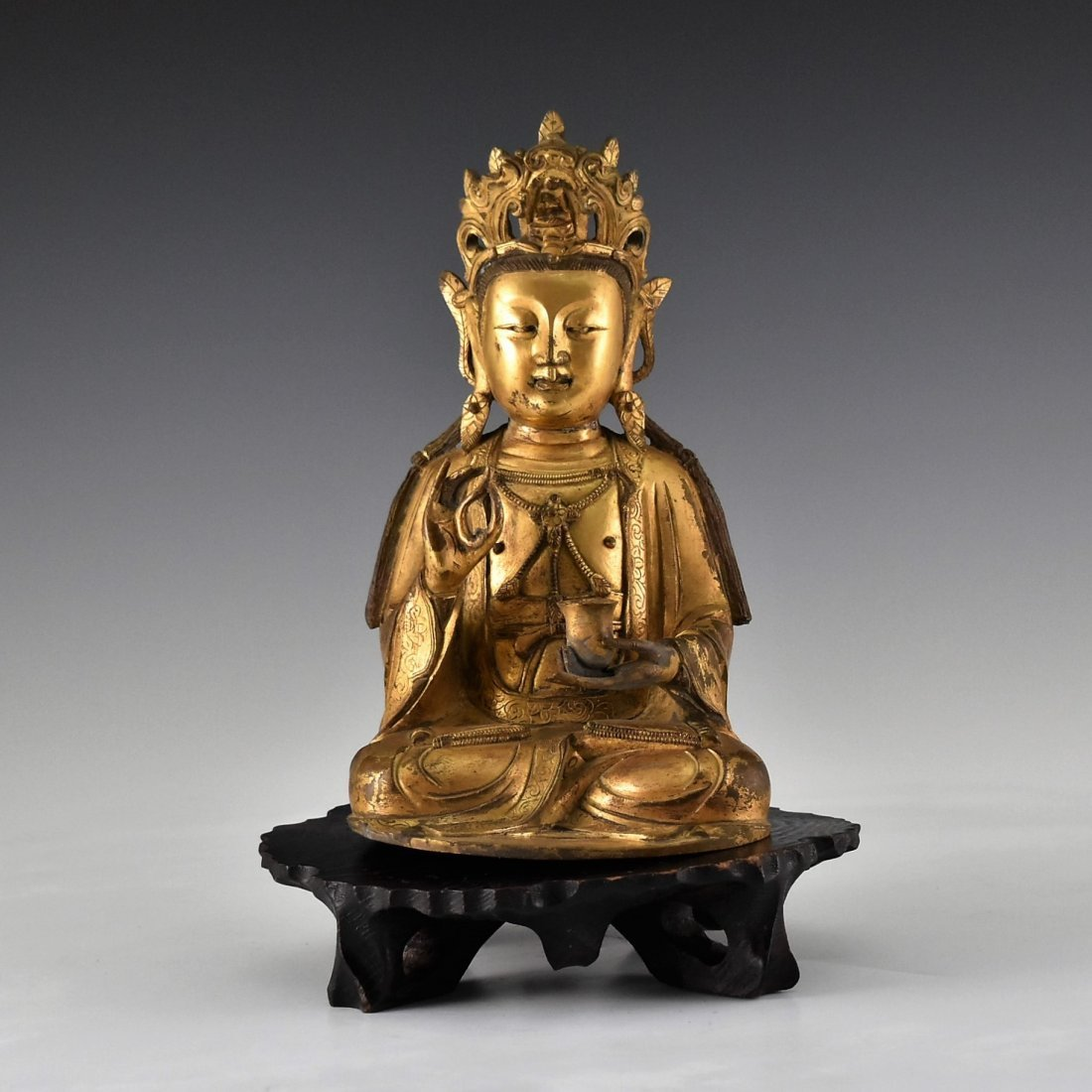 GILT BRONZE BUDDHA FIGURE OF AVALOKITHESVARA