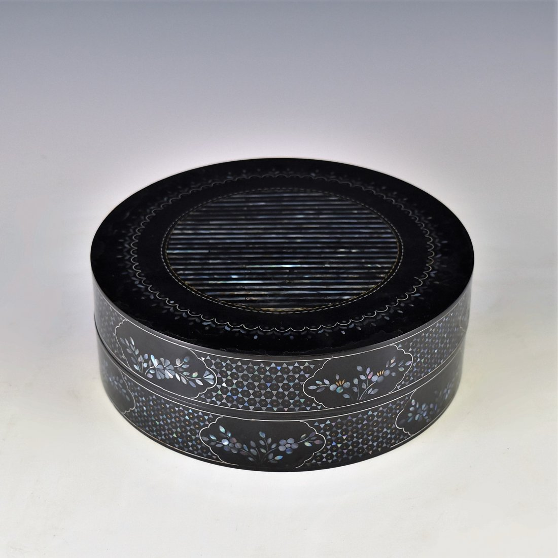 MOTHER OF PEARLS INLAID EBONY LACQUERED BOX