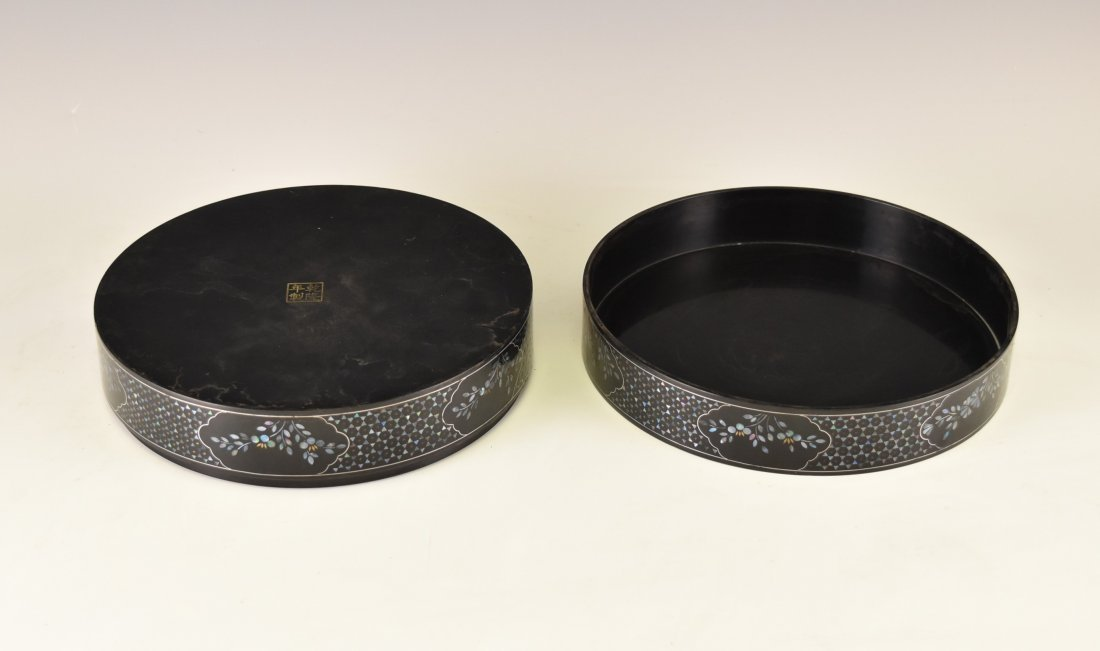 MOTHER OF PEARLS INLAID EBONY LACQUERED BOX - 3
