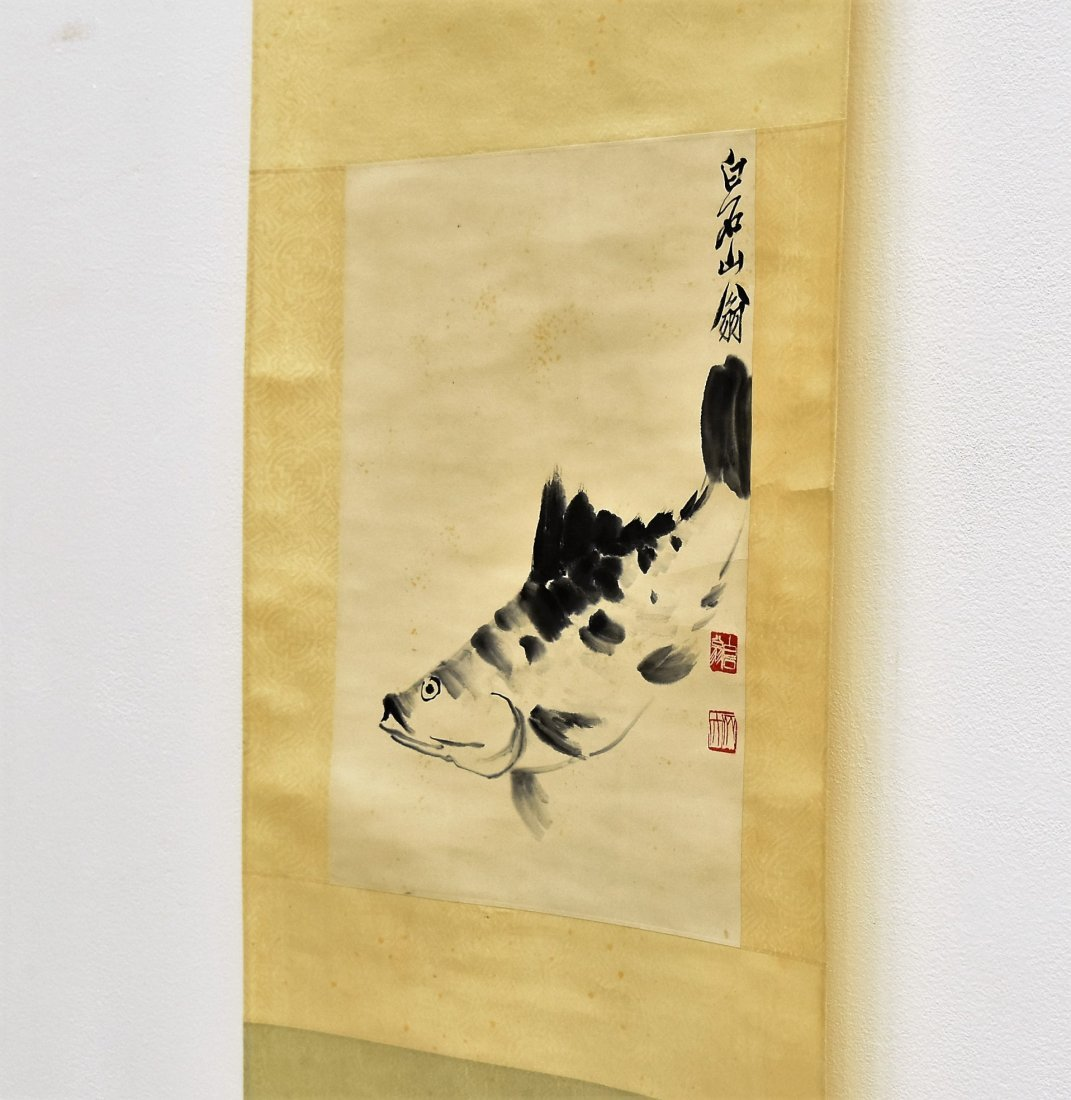 CHINESE GRAISALLE SCROLL PAINTING OF LOTUS IN BLOSSOM - 9