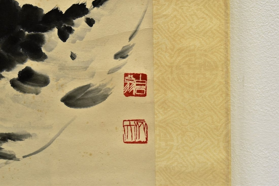 CHINESE GRAISALLE SCROLL PAINTING OF LOTUS IN BLOSSOM - 7
