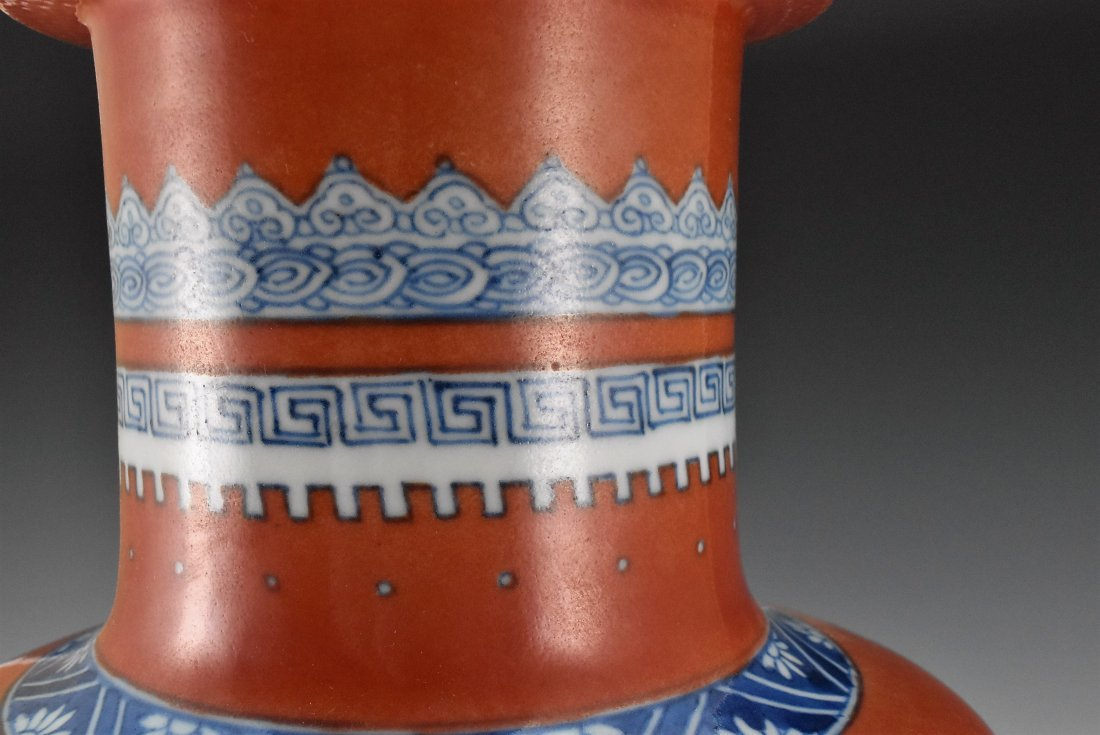 KANGXI BLUE AND WHITE IN RED GROUND ROULEAU VASE - 10