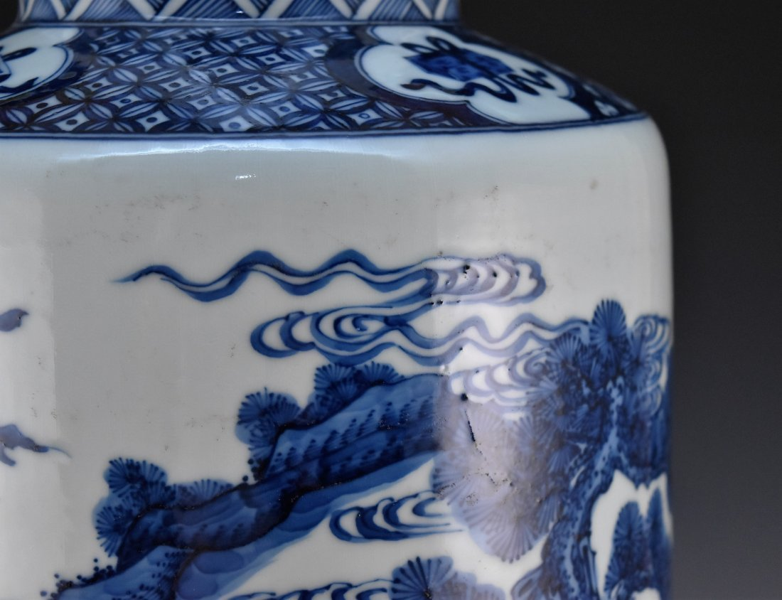 BATTLE SCENE BLUE AND WHITE ROULEAU VASE ON STANDS - 6