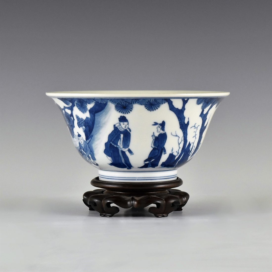BLUE AND WHITE BOWL ON STAND, KANGXI MARK