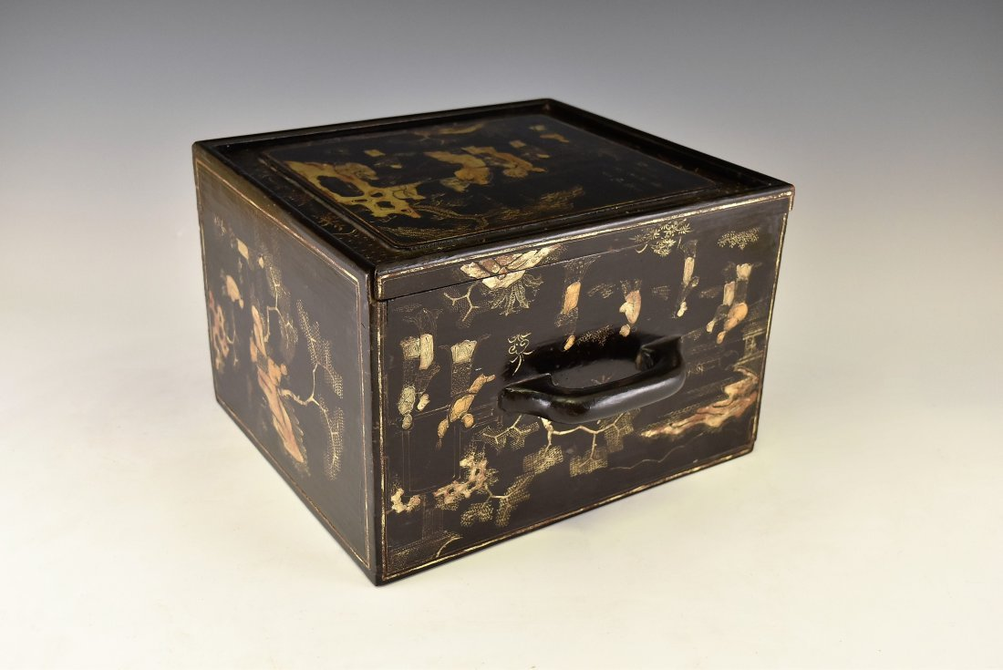 ANTIQUE CHINESE EBONY LACQUER BOX, 19TH C - 10