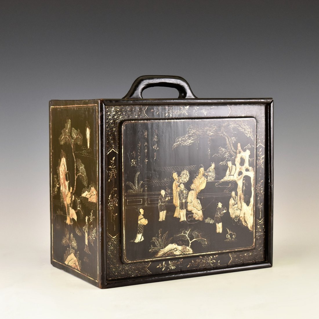 ANTIQUE CHINESE EBONY LACQUER BOX, 19TH C