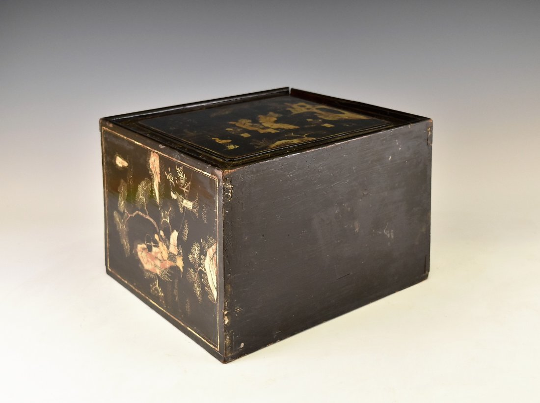 ANTIQUE CHINESE EBONY LACQUER BOX, 19TH C - 9