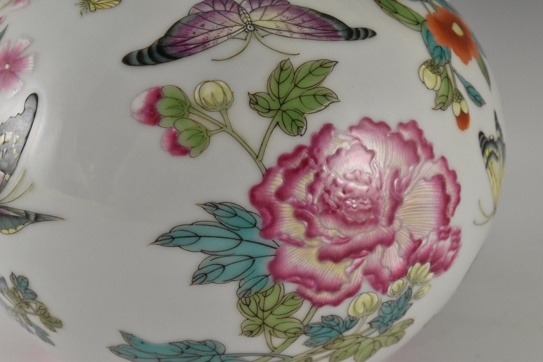 BUTTERFLIES AND FLOWERS CHINESE FAMILLE ROSE VASE - 9