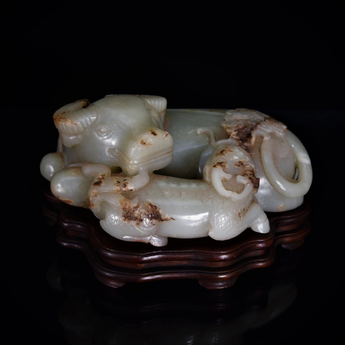 18TH C WATER BUFFALO & QILING JADE SCULPTURE ON STAND