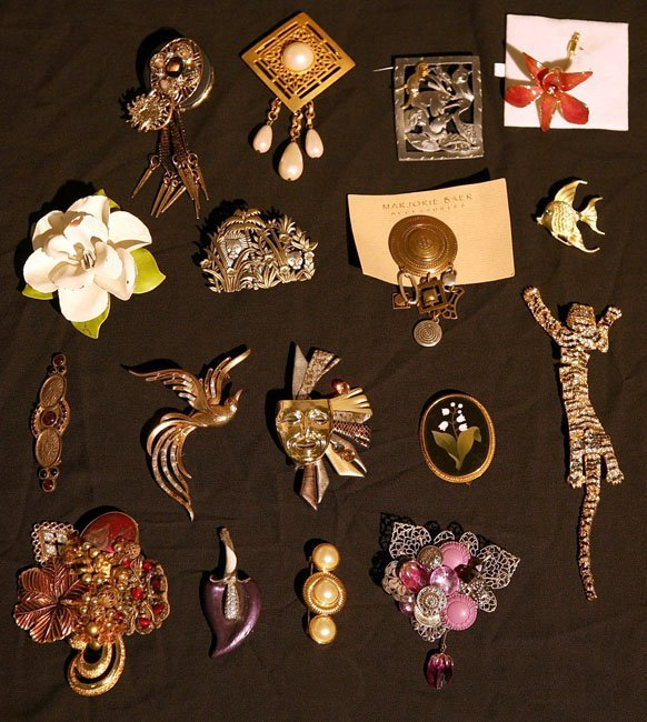 308:   JEWELRY-COSTUME,  A COLLECTION       mixed mater