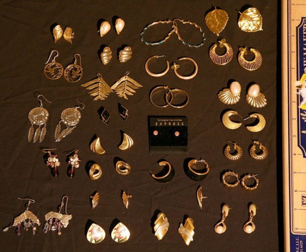 314:   JEWELRY-COSTUME,  A COLLECTION       mixed mater