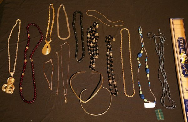 321:   JEWELRY-COSTUME,  A COLLECTION       mixed mater