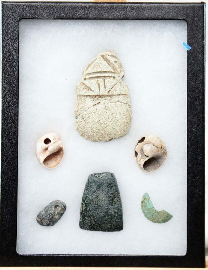 112:  MITLA ANTIQUE CARVED SHELLS AND STONE,  MAINLY DE
