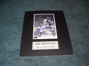 Joe Dimaggio Autograph Photo w/COA