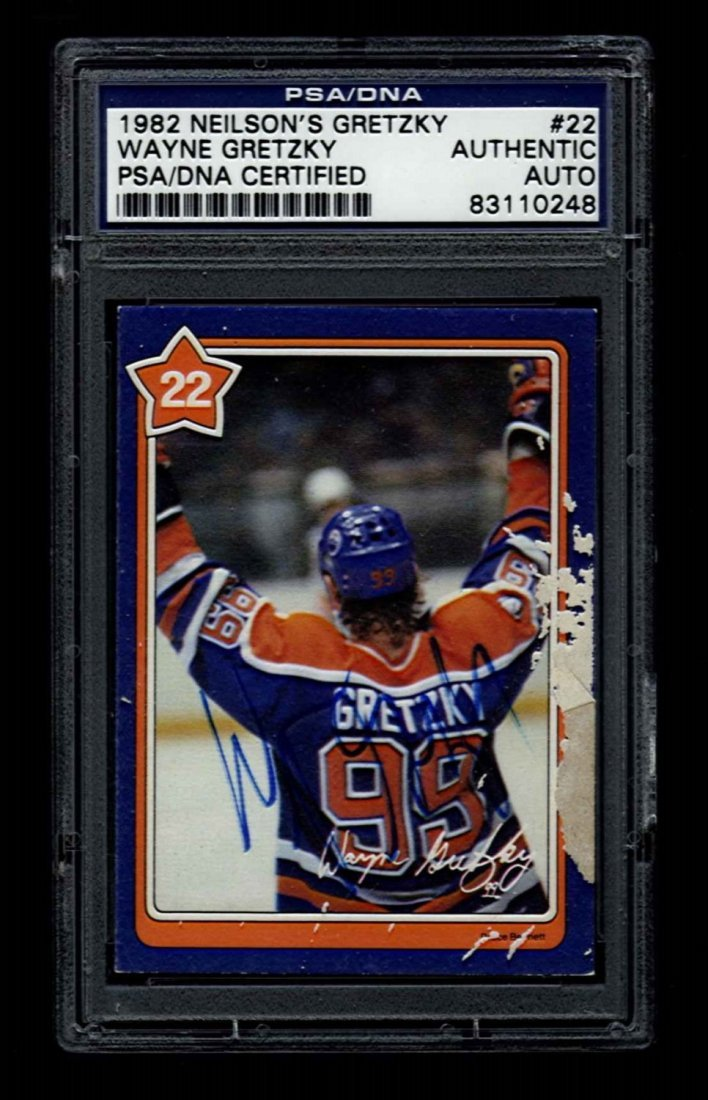 Wayne Gretzky Signed 1982 Neilson's Gretzky Card #22
