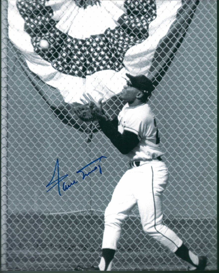 Willie Mays Signed 8 x 10 Photograph Certified By The