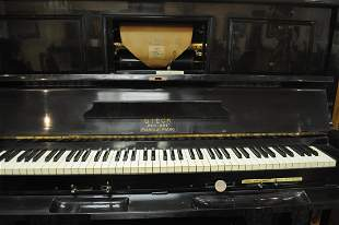 Antique Piano Player + 70 Music Rolls