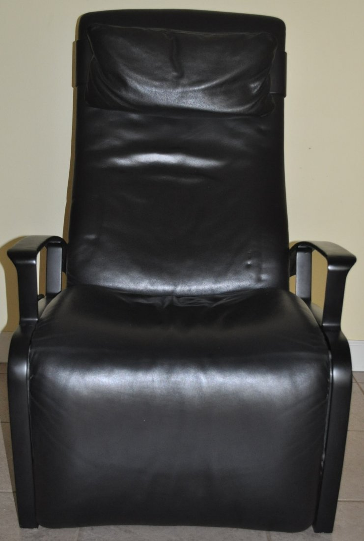 "Rare Vintage ""Poltrona Frau"" Leather Reclining Chair - 2"
