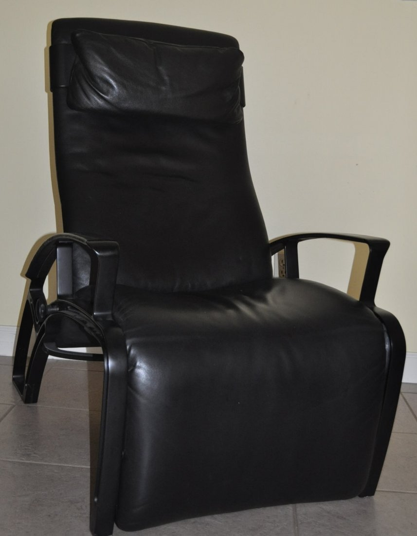 "Rare Vintage ""Poltrona Frau"" Leather Reclining Chair - 3"
