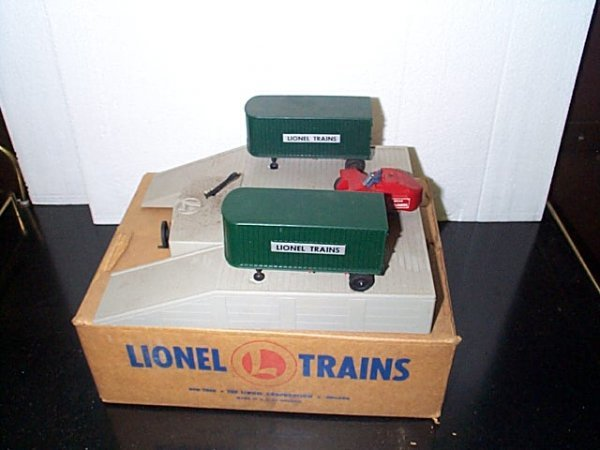 3: Lionel Trains Piggy Back Transportation set No. 460