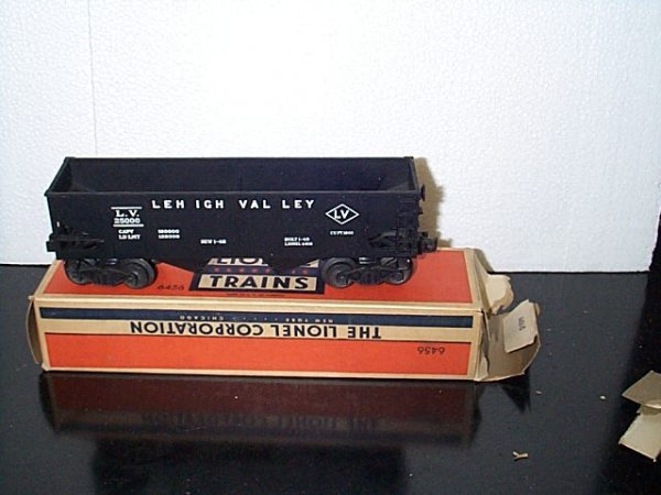 13: Lionel Trains hopper car No. 6456 Lehigh Valley wit
