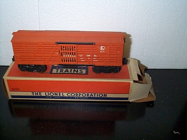 15: Lionel Trains operating cattle car No. 3656 with or