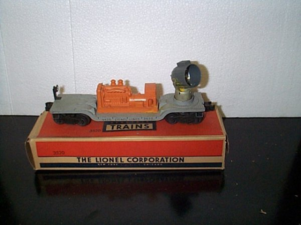 17: Lionel Trains operating search light car No. 3520 w