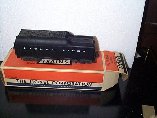 18: Lionel Trains tender with whistle No. 2046W with or