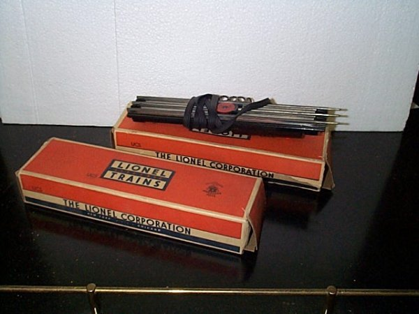 19: Lot of 2 Lionel Trains UCS O-gauge remote control t