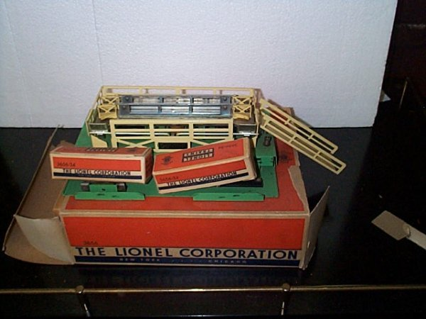 20: Lionel Trains operating cattle stock yard No. 3656