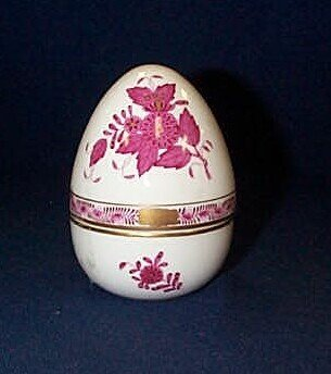10: Herend dresser egg box 4 inches tall