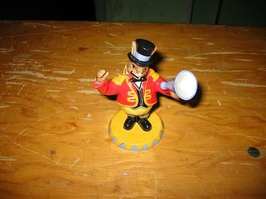 14A: Royal Doulton Bunnykins Randolf the Ringmaster fig