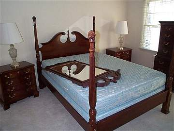 357: Lexington Cherry mahogany bedroom set contains a H