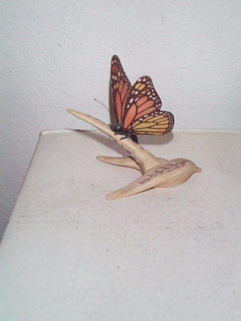 226: Boehm Monarch butterfly figurine #10551, measures