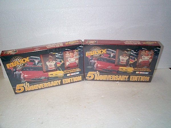 1018: Lot of 2 1992 Maxx 5th Anniversary Edition Race C