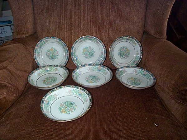 2020: Lot of 7 black mark Lenox Mystic small bowls.  5.