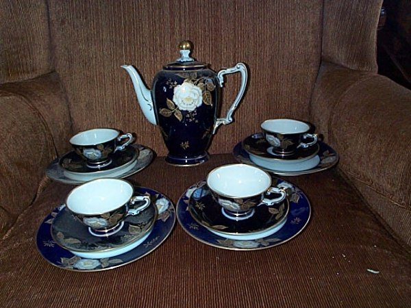 "2022: German Cobalt Blue dessert set containing a 8"" te"
