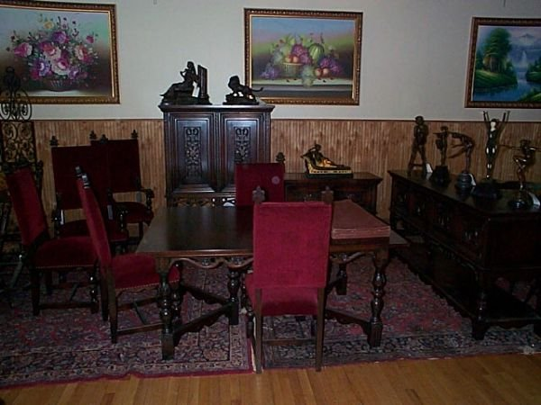 2196: super clean 1920's walnut carved dinning room se