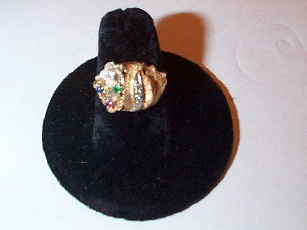 21: 14K yellow gold diamond dome ring with emerald, rub