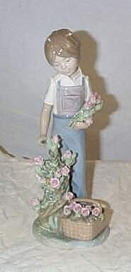 """Lladro number 5088 """"Roses for my Mom"""", retired"""
