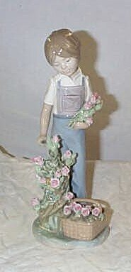 """519: Lladro number 5088 """"Roses for my Mom"""", retired"""