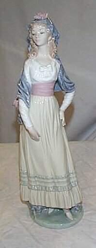 "Lladro number 5125 ""Goya Lady"", retired"