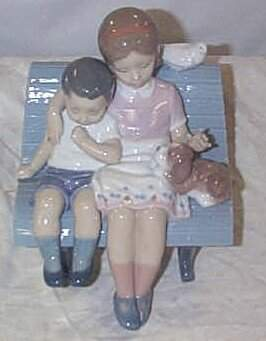 """Lladro number 6446 """"Surrounded by Love"""", w/box"""