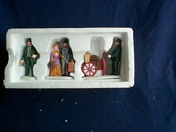 """Department 56 Heritage Village Collection, """"Holida"""