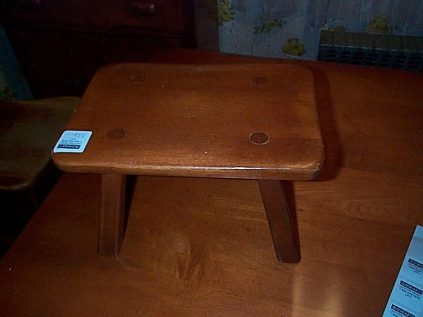 137: Signed Cushman colonial creations foot stool. #903