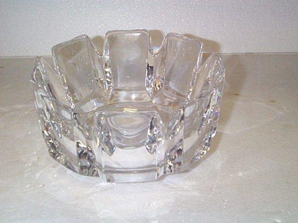 507: Signed Orreforrs center bowl, has chip on base, me