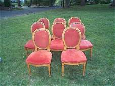 685: set of 8 dinning room chairs. Item can be picked u