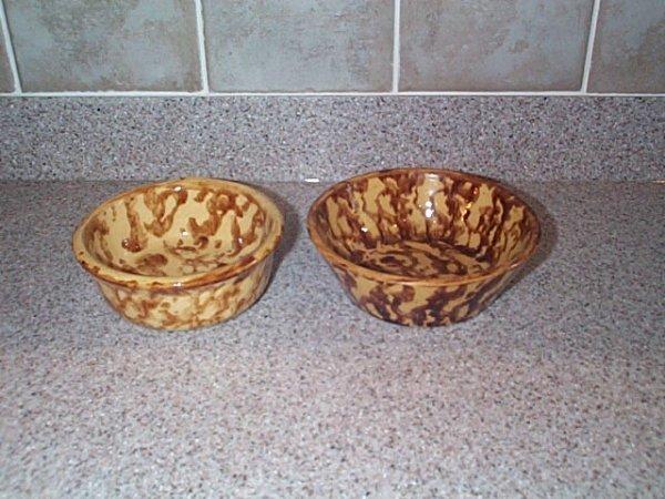 "8: lot of (2) spongeware decorated bowls 2"" tall, 5.5"""