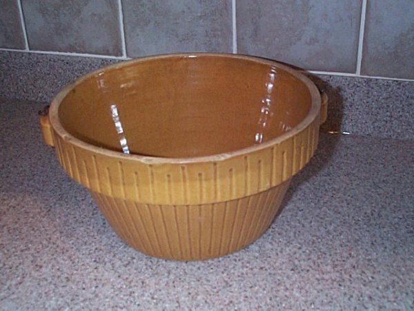 "21: yelloware art pottery basket 5"" tall 9"" diameter Bu"